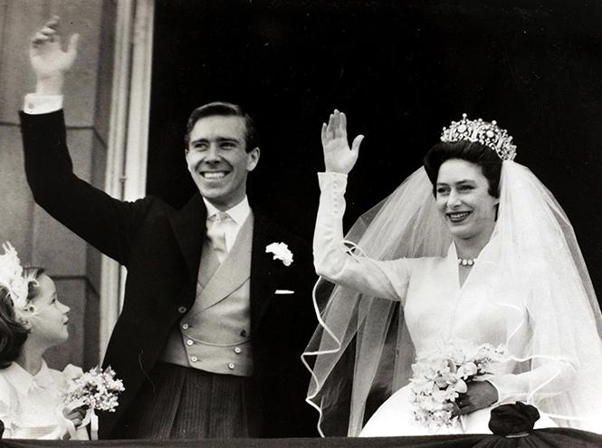 Фото №36 - 16 самых известных, красивых и дорогих свадебных платьев за всю историю