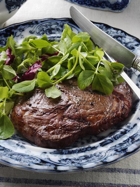 Фото №7 - 8 жирных продуктов, которые помогут сбросить вес