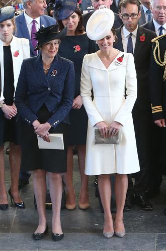 Фото №9 - 6 знаковых нарядов герцогини Кембриджской, которые она носит уже 6 лет