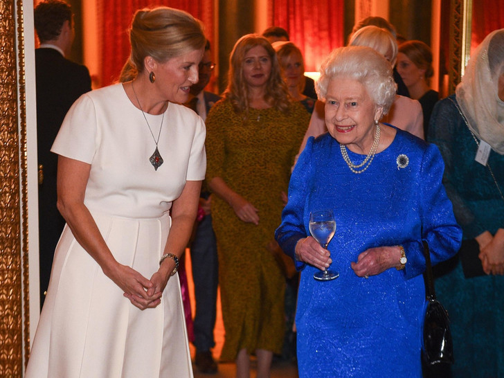 Фото №1 - Запретная тема: общее хобби Королевы и Софи Уэссекской, которое раздражает принца Филиппа