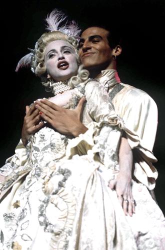 Фото №6 - Икона стиля, феминизма и музыки: как Мадонна стала главным инфлюенсером столетия