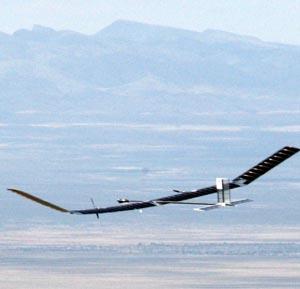Фото №1 - Двое суток в воздухе на солнечных батареях