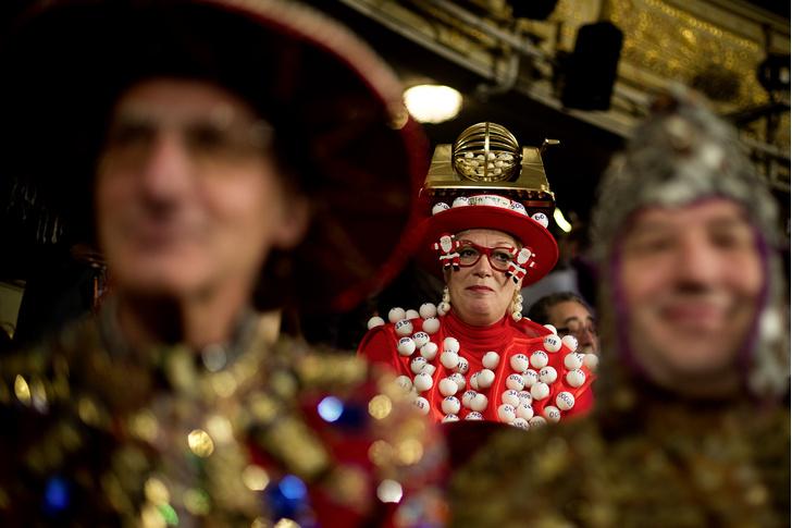 Фото №1 - Большая игра: зачем испанцы ежегодно покупают лотерейные билеты