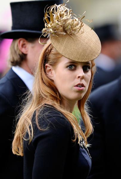 Принцесса Беатрис, Меган Маркл, дети, беременность, последние новости 2021, скандалы королевской семьи