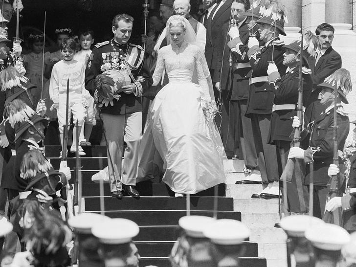 Фото №2 - Жертва любви: почему Грейс Келли пришлось лишиться миллионов ради брака с князем Монако