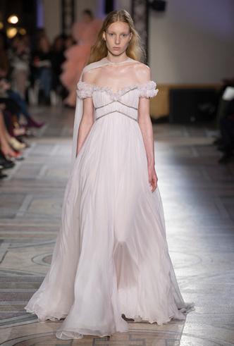 Фото №32 - 35 идей свадебных платьев с подиумов Недели высокой моды в Париже