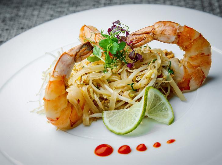 Фото №1 - Рецепт недели: рисовая тайская лапша с креветками
