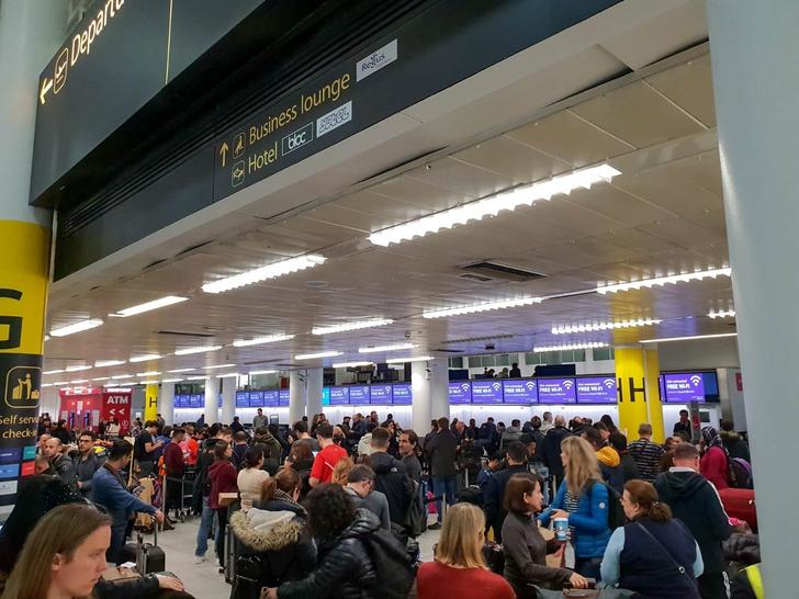 Фото №1 - Лондонский аэропорт закрыли из-за дронов
