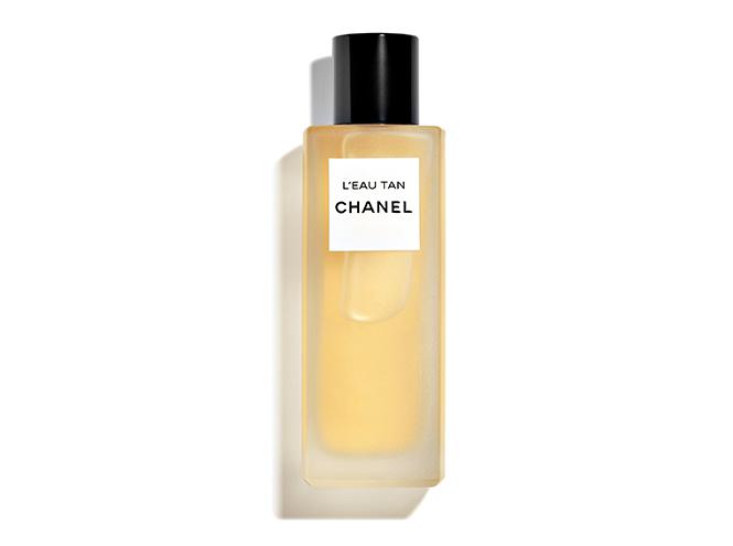 Фото №7 - Меняем цвет на свет: тонкости летнего макияжа от Chanel