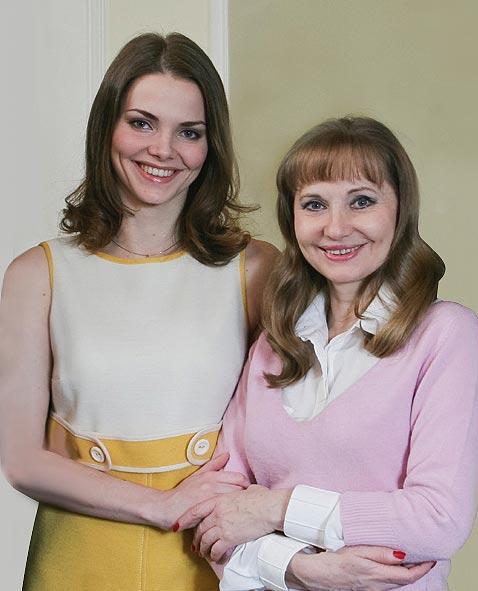 Фото №3 - Знаменитые мамы и их дочери: соперницы или подруги?