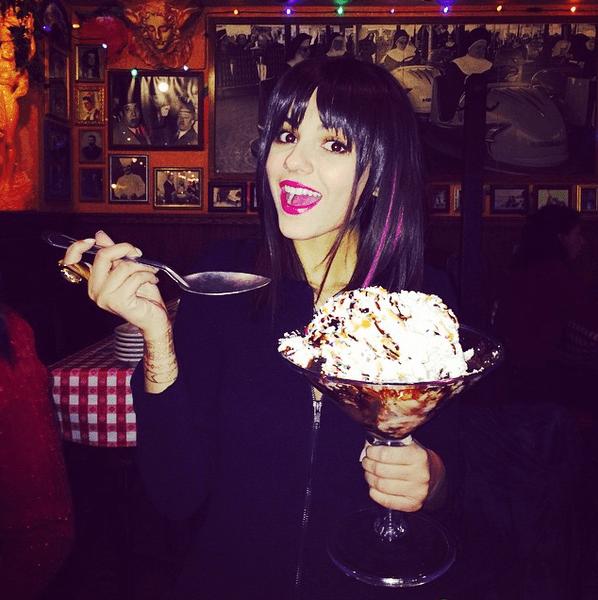 Фото №33 - Звездный Instagram: Леденцы, маффины и печеньки