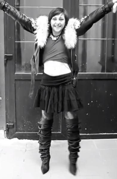 Фото №16 - Кровь с молоком: как красивые девушки не находят себя ни на «Доме-2», ни за его пределами и погибают