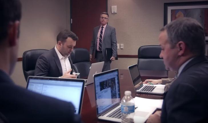 Фото №1 - Как выглядела бы видеоконференция в реальной жизни (видео)