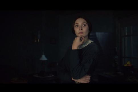 Элизабет Олсен Ню