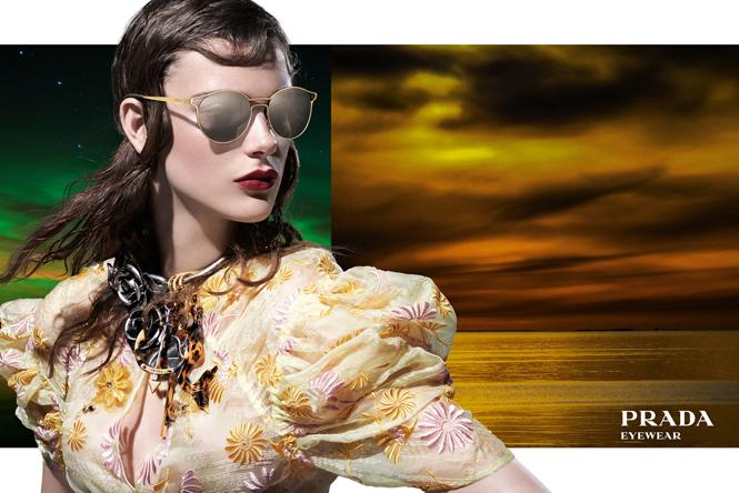 Фото №7 - 27 ярких моделей в осенней рекламной кампании Prada