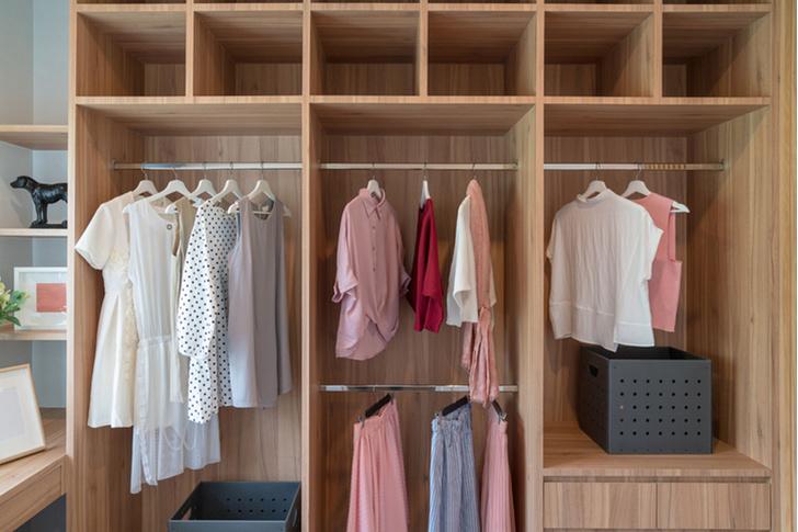 Фото №3 - До следующей зимы: как хранить межсезонную одежду
