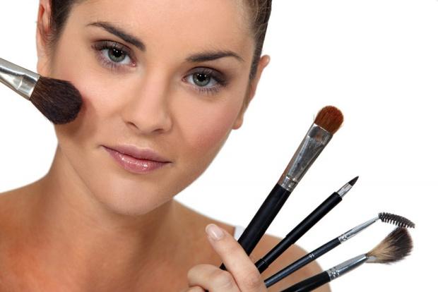 Как с помощью макияжа уменьшить нос | 414x620