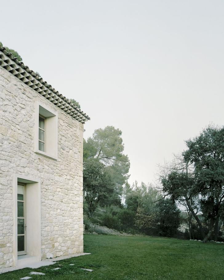 Фото №1 - Аскетизм и уединение: вилла Ma House во Франции