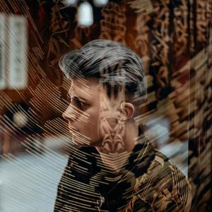 Фото №2 - Даня Милохин попробовал себя в качестве художника 😃