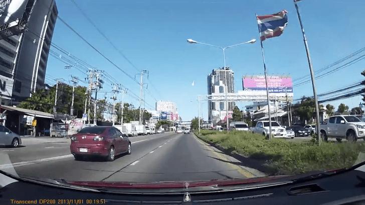 Фото №1 - Астрономы объяснили, чем являлся огненный шар в небе над Бангкоком