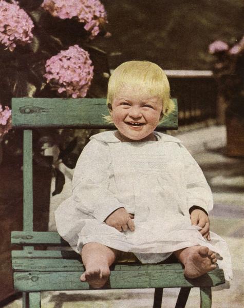 Фото №7 - «Бешенство матки», опыты Фрейда, жизнь в изгнании: история свекрови Елизаветы II, которую считали сумасшедшей