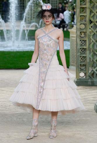 Фото №7 - Цветущий сад Карла: Chanel Haute Couture SS18