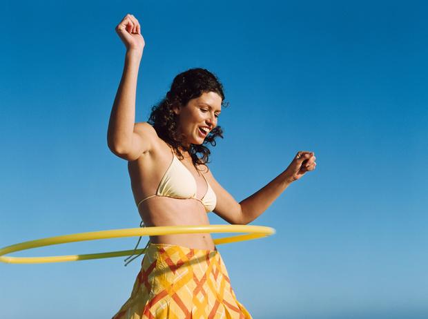 крутить обруч для похудения живота и боков отзывы, для талии, сколько калорий сжигается за час, 10, 20, 30 минут