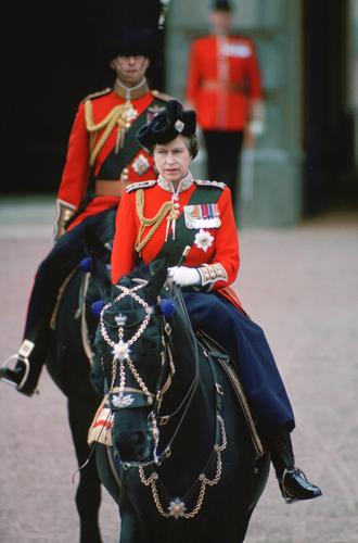 Фото №9 - Trooping the Colour: что нужно знать об официальном дне рождения британской королевы