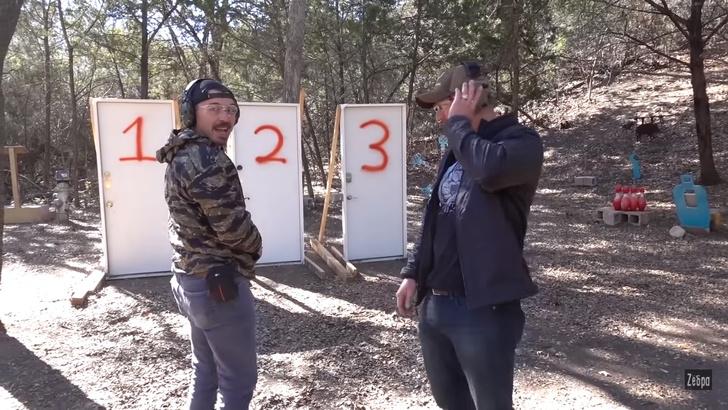 Фото №4 - Из чего можно прострелить дверной замок— из пистолета, винтовки или дробовика? Эксперимент от полицейского (видео)