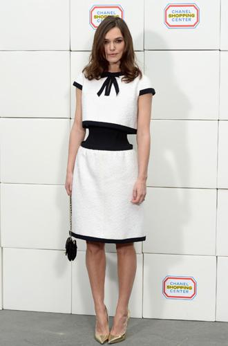 Фото №3 - Визуальные иллюзии в одежде: как выглядеть на пару размеров стройнее