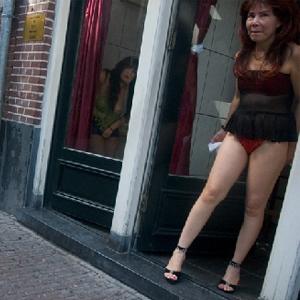 Фото №1 - Проституток поощрят за хорошее поведение