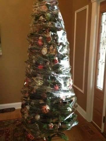 Фото №8 - Как защитить новогоднюю елку от кота: 7 самых хитрых способов с фотоинструкцией