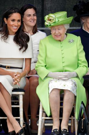 Фото №9 - Читаем по рукам: что говорят о Меган, Кейт и других королевских особах их руки