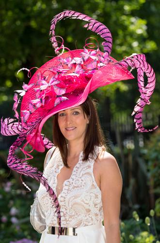 Фото №14 - Чья шляпа лучше: герцогиня Кембриджская и другие на Royal Ascot 2017