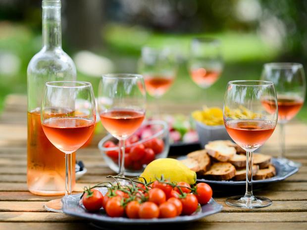 Фото №1 - Оранжевое вино: что нужно знать о самом модном напитке