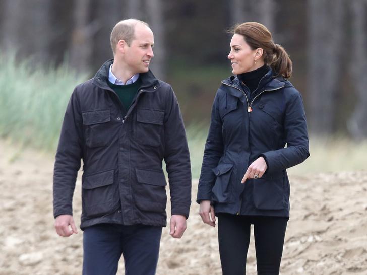 Фото №1 - Особенности протокола: почему Кейт и Уильяму запрещено давать автографы поклонникам