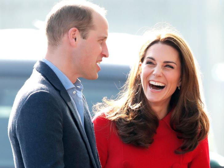Фото №1 - «Голое» платье судьбы: реальная история наряда Кейт, «познакомившего» ее с Уильямом