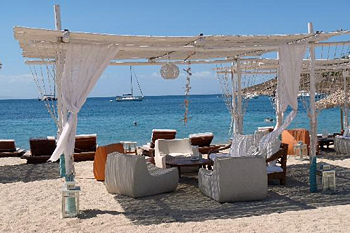 Фото №2 - 10 пляжей, где можно роскошно отдохнуть