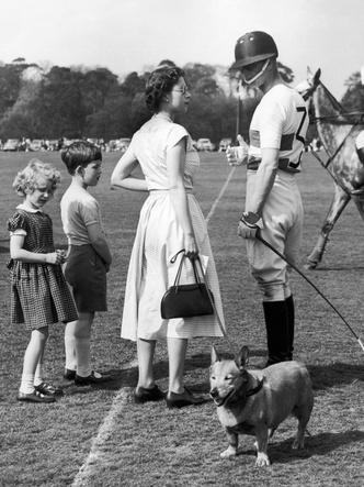 Фото №2 - Как принц Филипп отреагировал на слухи о своих изменах Елизавете