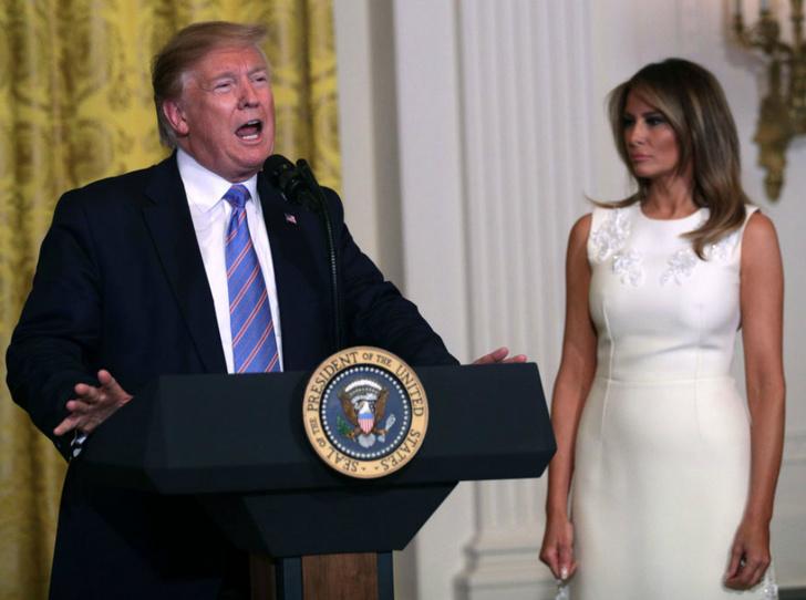 Фото №1 - Трамп проигнорировал первую леди США в День матери