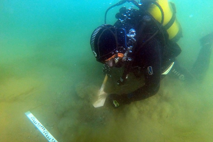 Фото №1 - В Керченском проливе обнаружен затонувший парусник XIX века