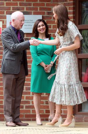 Фото №9 - Что общего у публичных выходов герцогини Меган и принцессы Дианы
