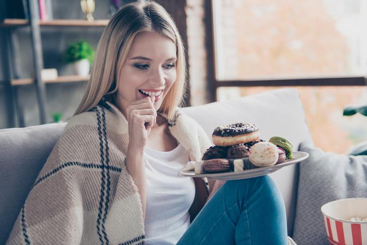 Как понять, что вы едите слишком много сладкого, тяга к сладкому, ем много сладкого, проблемы с кожей из-за сладкого, проблемы со здоровьем из-за сладкого