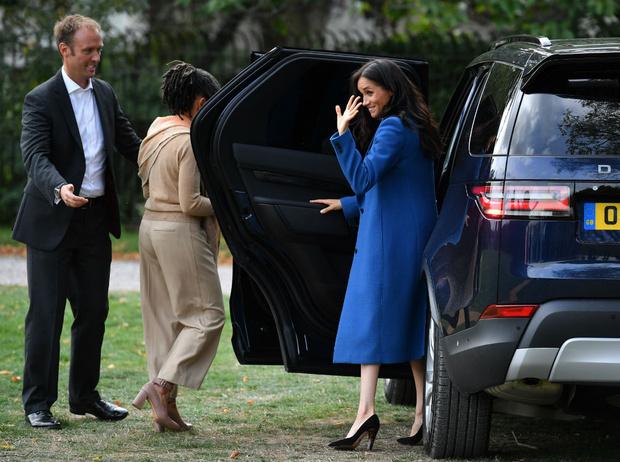 Фото №7 - Как герцогиня Меган меняет монархию одним жестом