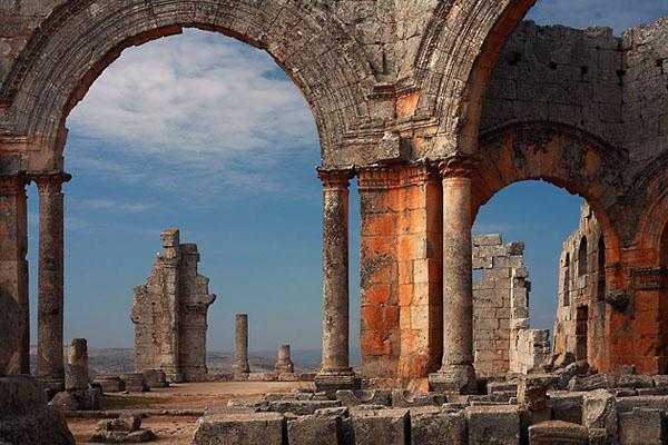 Фото №1 - С оглядкой на руины
