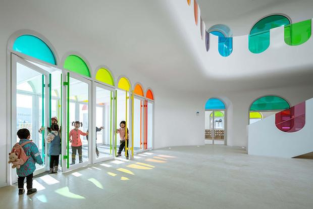 Фото №11 - Детский сад в форме торта, который может менять цвета: фото