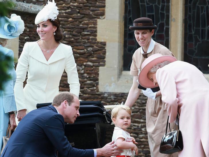 Фото №3 - 5 важных правил королевского материнства, которые Кейт переняла у Елизаветы II