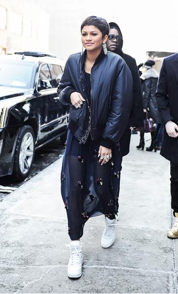 Зендая на показе DKNY