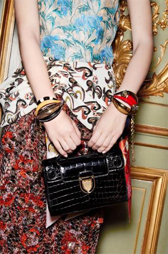 Фото №6 - Время приключений: аксессуары в круизной коллекции Dior