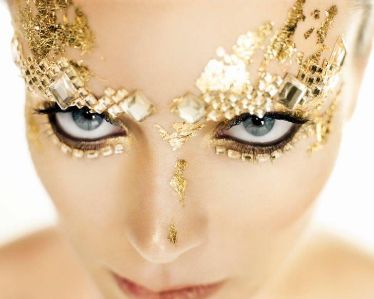 Фото №2 - В Москву приедет выставка Антонио Бандераса «Women in Gold»